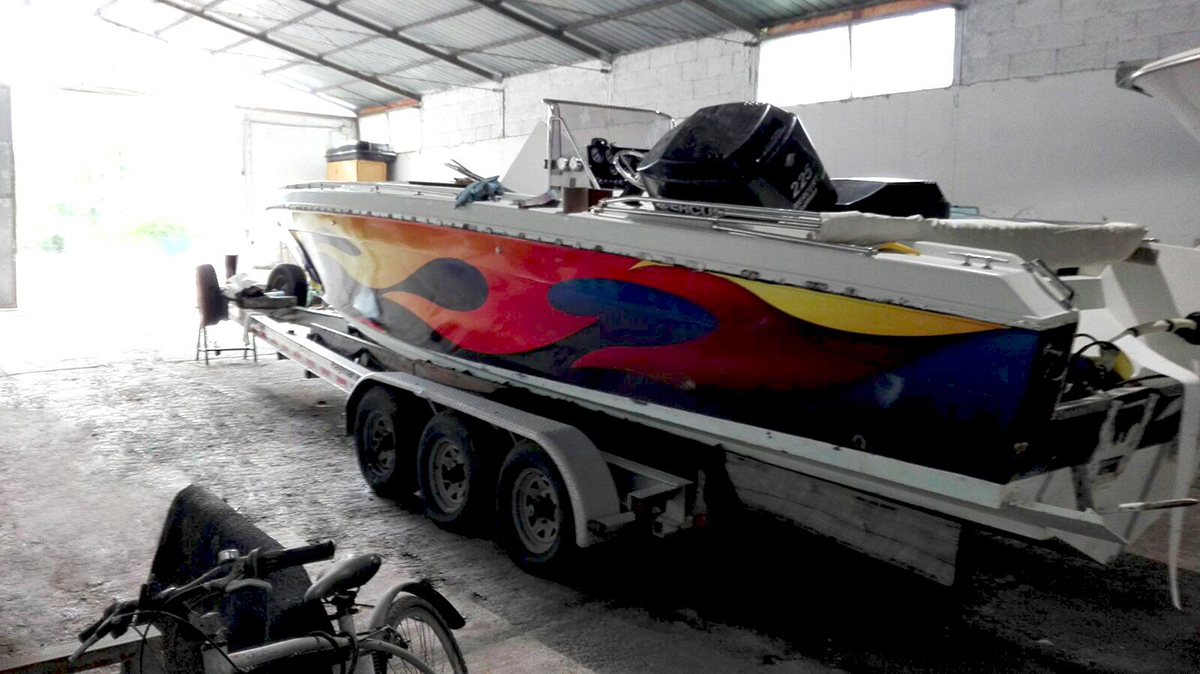 boat wrapping scarab