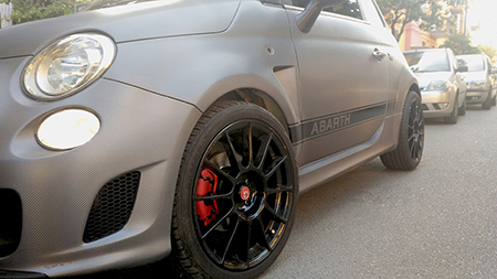 car wrapping carbonio 500 abarth 9